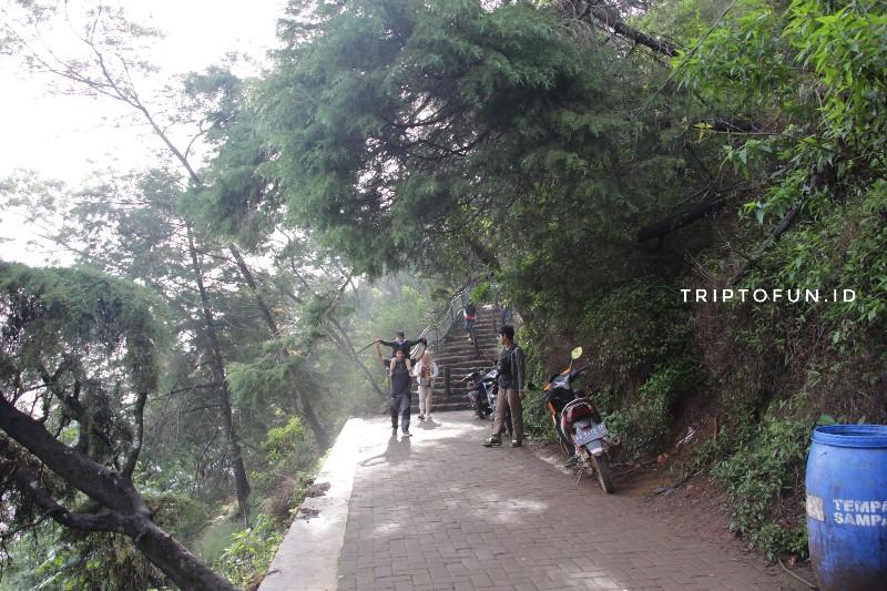 jalur pendakian bukit sikunir