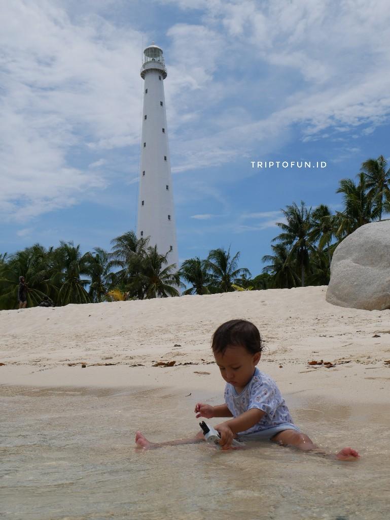 bermain di pulau lengkuas