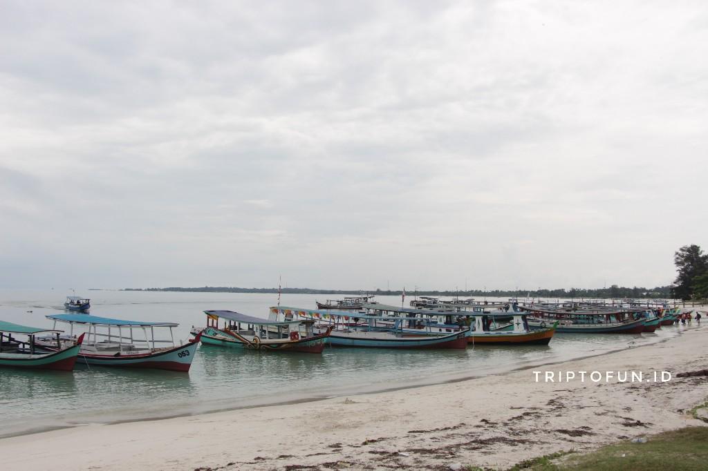 kapal wisata pantai tanjung kelayang