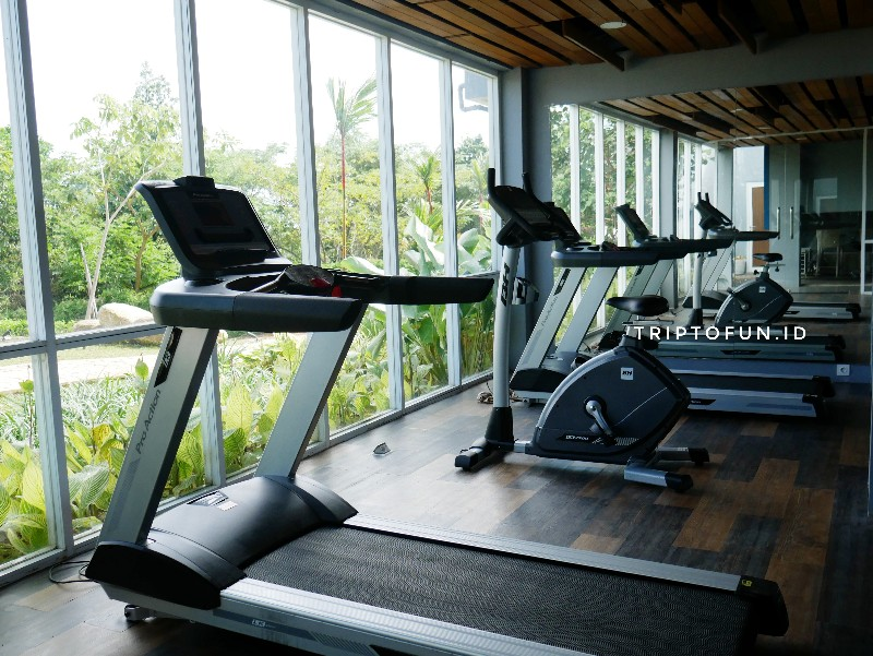 fasilitas fitness center di swiss belresort tanjung binga