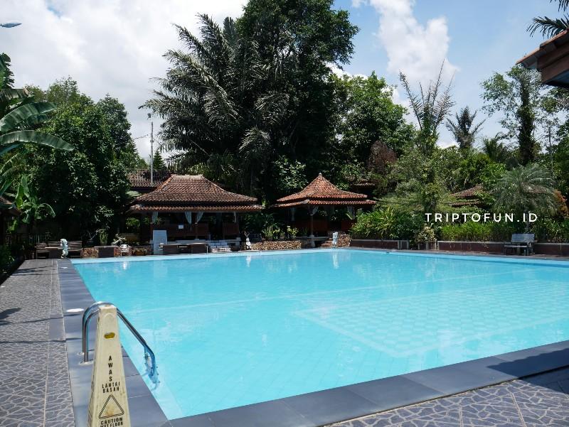 fasilitas kolam renang hotel green tropical