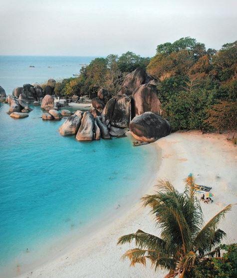 foto drone pantai tanjung tinggi