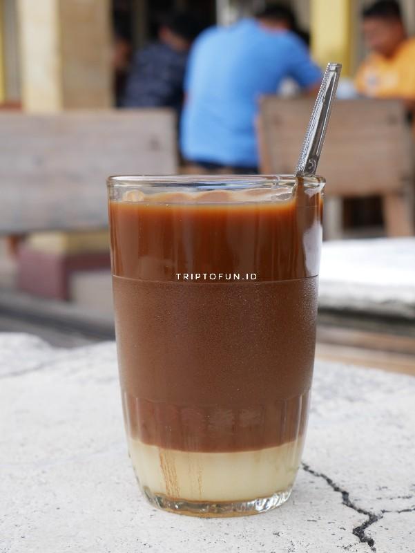 kopi susu warung kopi ake