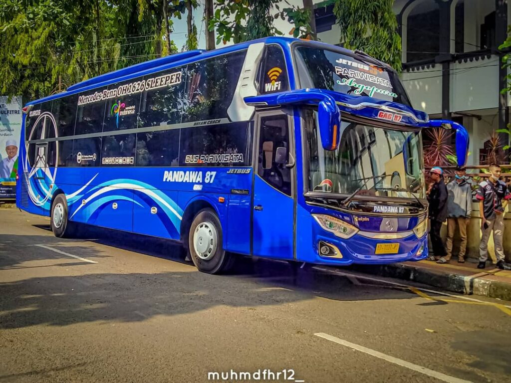 sleeper bus pandawa 87